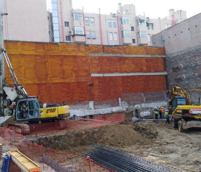 Las obras de Cabot, en la Puerta de Toledo de Madrid, ya están en marcha