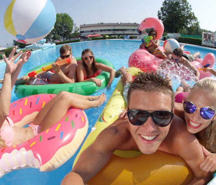 Ideas para una fiesta en la piscina inolvidable: trucos para no fallar