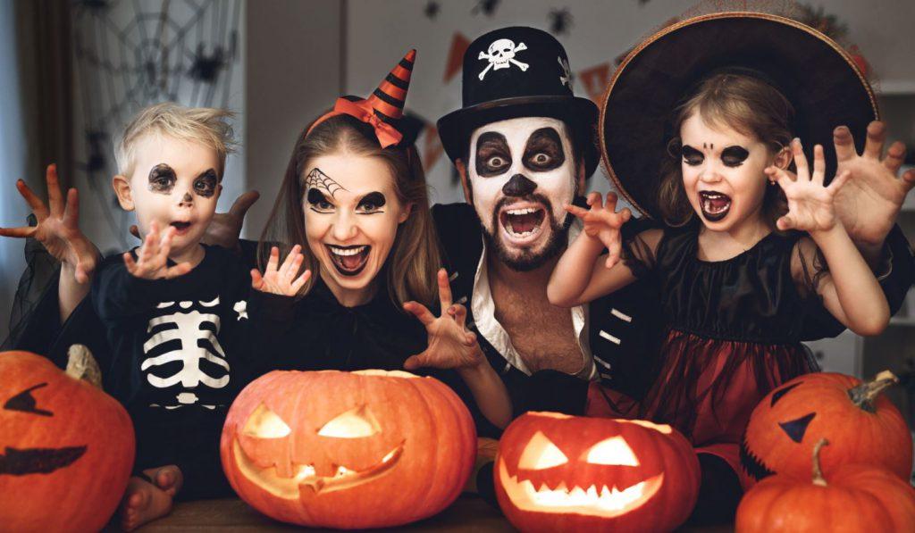 Qué Hacer En Halloween En Casa Ideas Caseras De Miedo Aedas Homes